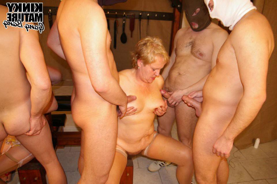 В бане фото бабушки порно