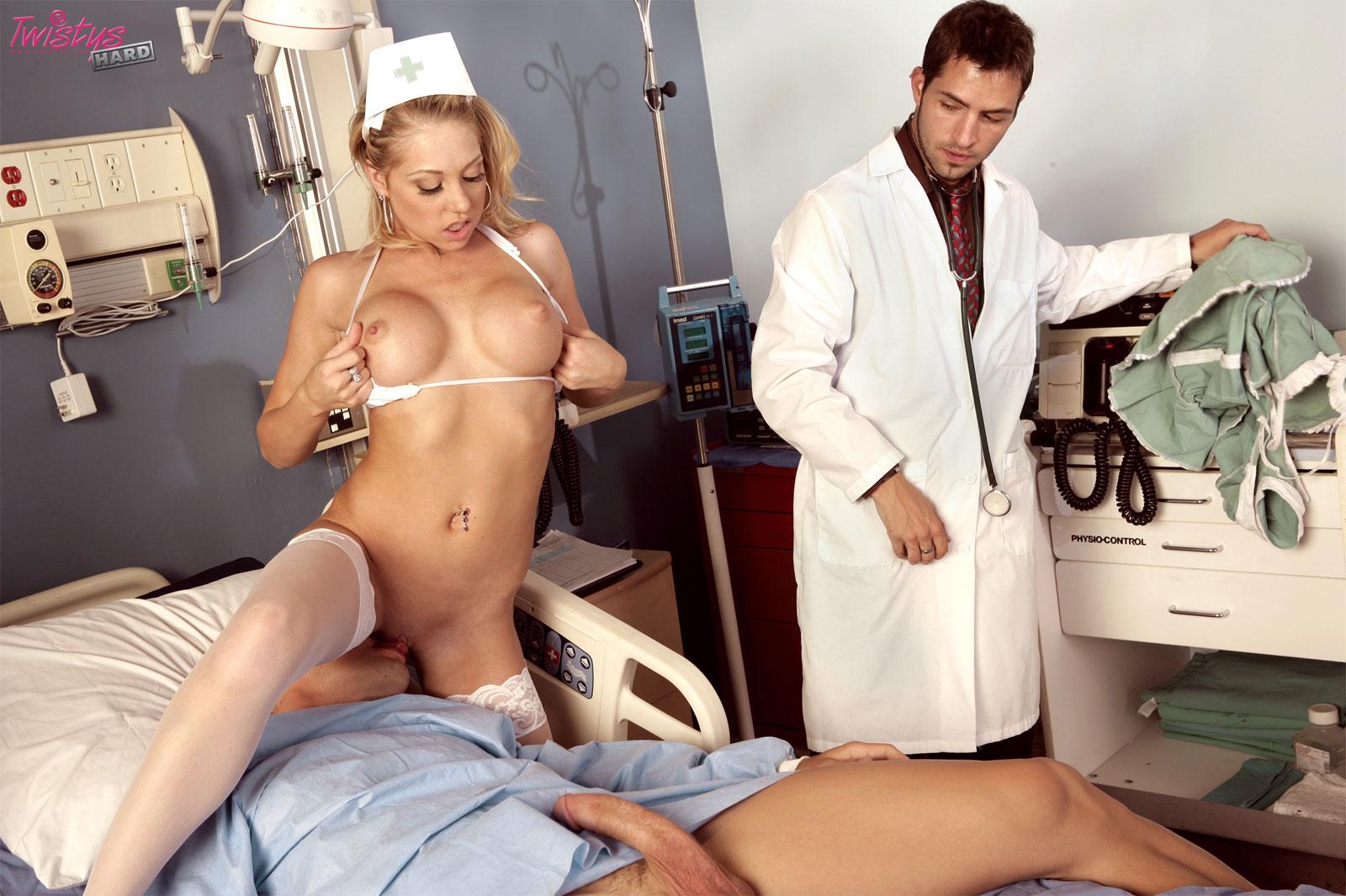 Смотреть порно фото голых девушек медсестер, Голые медсестры Порно фото медсестры в халатах 3 фотография