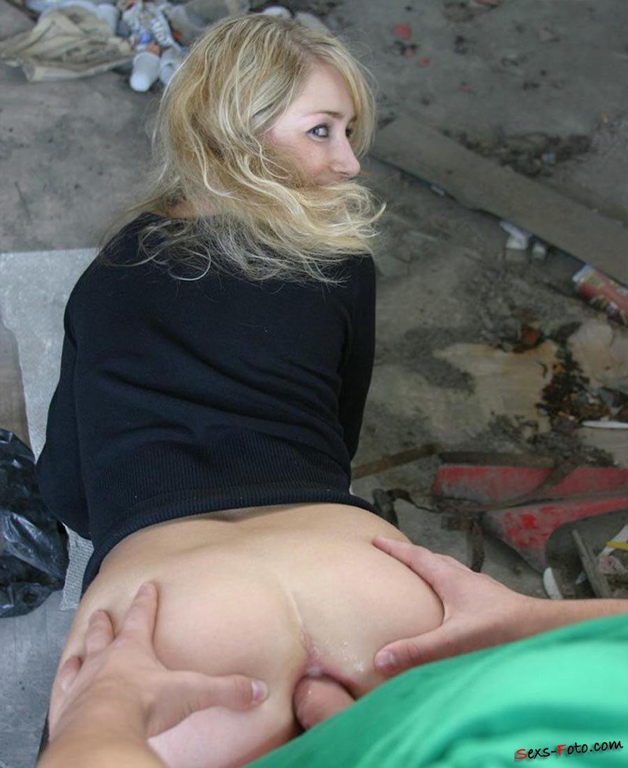 pikap-porno-v-popu-na-ulitse-ulomal-podrugu-foto