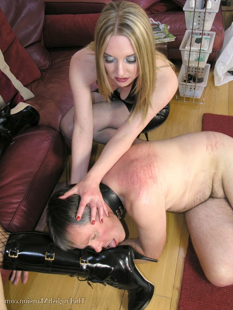 Порно Госпожа В Коже Принуждает Раба К Сексу