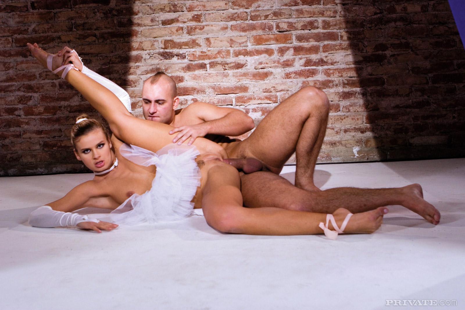 Фото балерину в жопу, Сборка откровенных снимков красивых балерин - секс 3 фотография