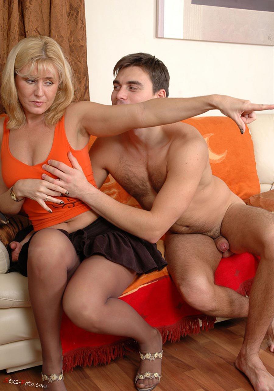 подружки подружка трахает сына