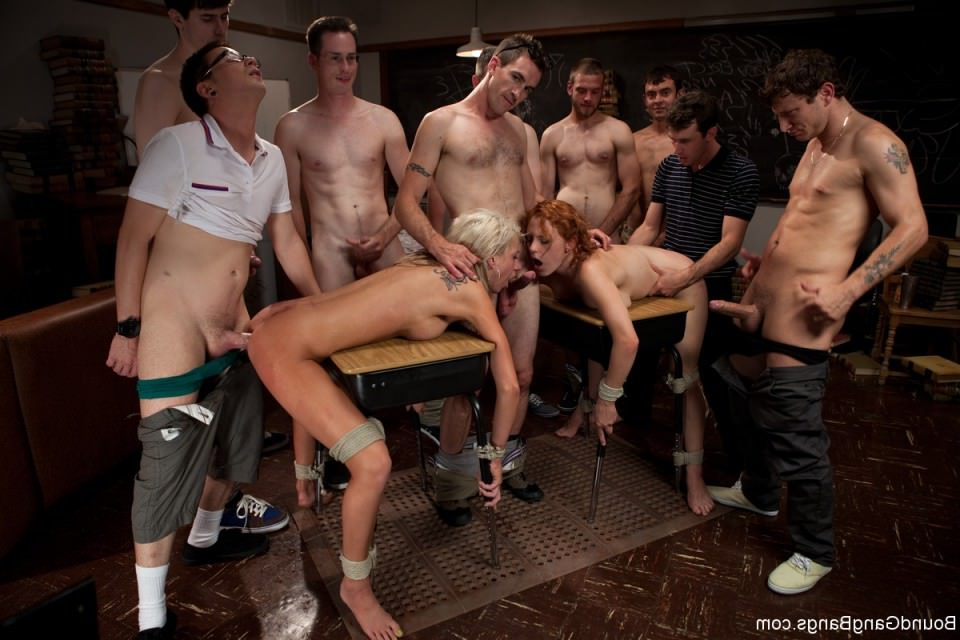 Смотреть фото голых проституток жесткий секс, порно русские зрелые молодые