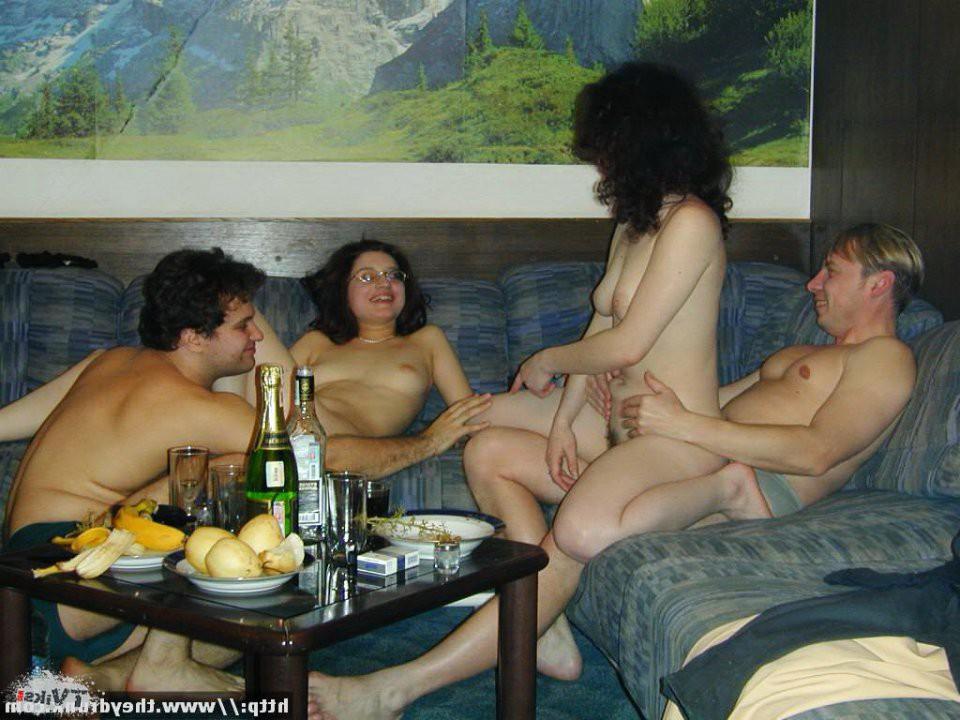 деревне, видит, порно пьянка и секс в бане начал пляску хуя