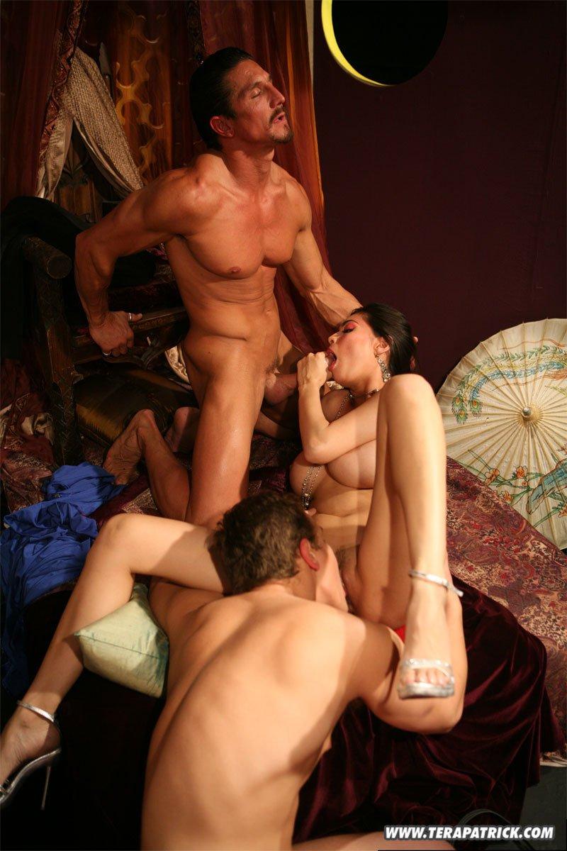 Тера патрик порно съемки групповое