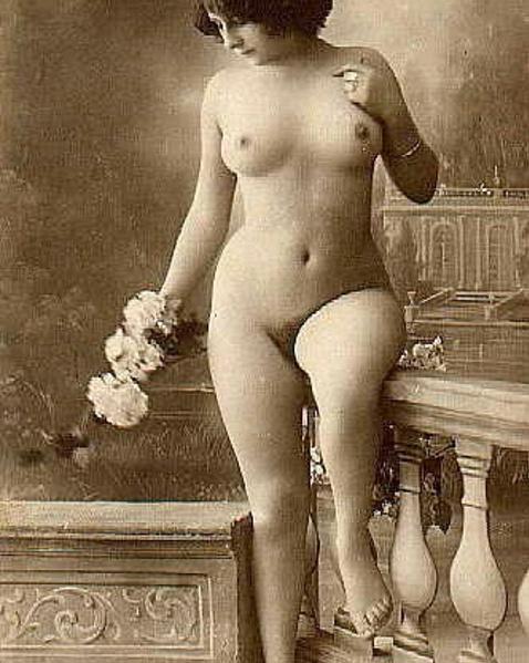 обнаженные старые черно белые фотографии девушку