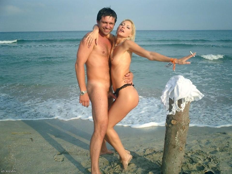 Порно извращенцев на пляже, частное с мобильного